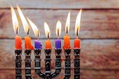 Fondo creativo de Jánuca del día de fiesta judío con el menorah Imagen de archivo libre de regalías