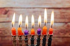 Fondo creativo de Jánuca del día de fiesta judío con el menorah Fotos de archivo libres de regalías