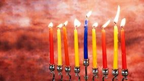 Fondo creativo de Jánuca del día de fiesta judío con el menorah Visión desde arriba del foco encendido Fotografía de archivo libre de regalías