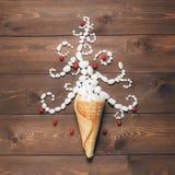 Fondo creativo de la Feliz Navidad y de la Feliz Año Nuevo fotografía de archivo