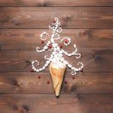 Fondo creativo de la Feliz Navidad y de la Feliz Año Nuevo Fotos de archivo libres de regalías