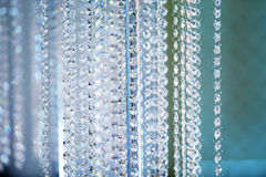 Fondo cristalino de la lámpara de la decoración en colores fríos fotos de archivo libres de regalías