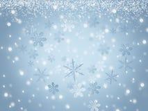 Fondo cristalino de los copos de nieve del invierno azul de la Navidad con nieve que cae Foto de archivo