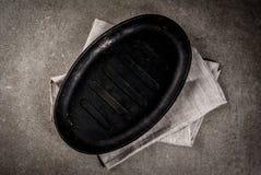 Fondo culinario con la pentola vuota immagini stock