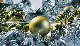 Fondo d'annata dell'ornamento di Natale Nastro dell'argento dell'albero di Natale Immagine Stock Libera da Diritti