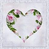 Fondo d'annata di amore con la struttura sotto forma di cuore, di belle rose e di posto per testo Fotografia Stock