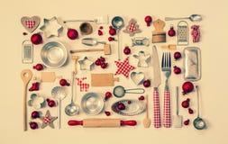 Fondo d'annata di natale con una collezione di molti controllo rosso Immagini Stock