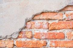 Fondo dañado fractura vieja de la pared de ladrillo Fotografía de archivo