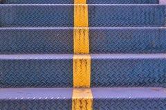 Fondo de acero de la textura de los pasos de las escaleras Imágenes de archivo libres de regalías