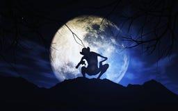 fondo de 3D Halloween con la criatura contra el cielo iluminado por la luna Imagen de archivo libre de regalías