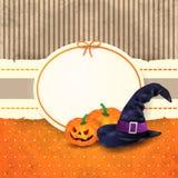 Fondo de Halloween con la etiqueta, las calabazas y el sombrero Fotos de archivo libres de regalías