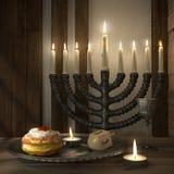 Fondo de Jánuca con las velas, anillos de espuma, top de giro ilustración del vector