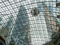 fondo de la alameda de compras de cristal moderna del tejado del edificio Imagenes de archivo