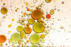 Fondo de la burbuja del agua y del aceite imagenes de archivo