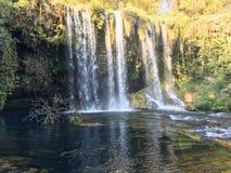 Fondo de la cascada Imagenes de archivo