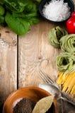 Fondo de la comida en el tablero de madera Fotos de archivo libres de regalías