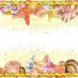 Fondo de la cuerda de la concha marina y de la nave con arena de mar Imagen de archivo libre de regalías