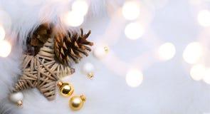 Fondo de la estación de la Navidad con el decorat de los días de fiesta de la Navidad Foto de archivo