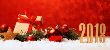 Fondo 2018 de la Feliz Año Nuevo con la decoración de la Navidad Fotos de archivo libres de regalías