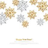 Fondo de la Feliz Navidad con los copos de nieve del oro y de la plata stock de ilustración
