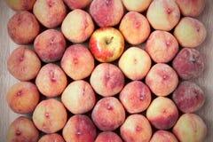 Fondo de la fruta del melocotón y de la manzana, comida sana del vegano Fotos de archivo