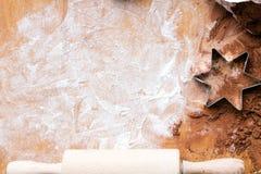 Fondo de la hornada: preparación de las galletas Imagenes de archivo