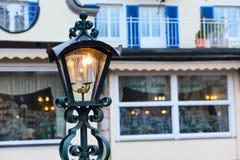 Fondo de la luz de la lámpara de calle de la Navidad Fotografía de archivo
