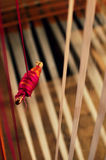 Fondo de la materia textil con el carrete de cuerdas de rosca imágenes de archivo libres de regalías