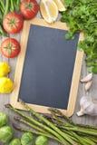 Fondo de la muestra de las verduras de la pizarra Fotos de archivo