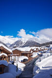 Fondo de la naturaleza del Cáucaso de la estación de esquí de las montañas Fotografía de archivo