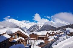 Fondo de la naturaleza del Cáucaso de la estación de esquí de las montañas Fotografía de archivo libre de regalías