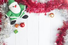 Fondo de la Navidad, cajas de regalo de los ornamentos, accesorios en woode Imagen de archivo