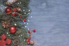 Fondo de la Navidad con el cono Fotografía de archivo