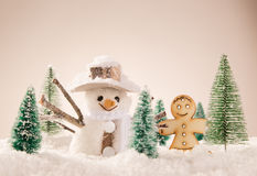 Fondo de la Navidad con el muñeco de nieve ilustración del vector