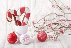 Fondo de la Navidad con el pan de jengibre Fotos de archivo