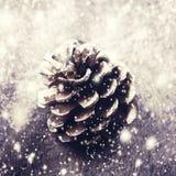 Fondo de la Navidad con la decoración de la Navidad Estafa festiva del pino Fotografía de archivo
