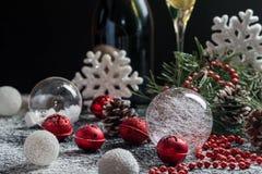 Fondo de la Navidad con la decoración festiva Imagen de archivo libre de regalías