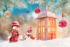 Fondo de la Navidad con la linterna ilustración del vector