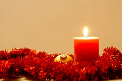 Fondo de la Navidad con la vela Foto de archivo libre de regalías