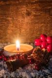 Fondo de la Navidad con la vela - rústica Imágenes de archivo libres de regalías