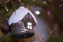 Fondo de la Navidad con las bolas y las decoraciones Imagen de archivo