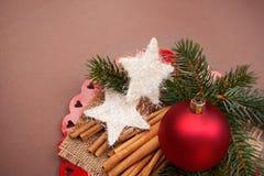 Fondo de la Navidad con las decoraciones. Imágenes de archivo libres de regalías