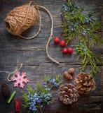 Fondo de la Navidad con las decoraciones Fotos de archivo libres de regalías