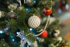 Fondo de la Navidad con las decoraciones Fotos de archivo