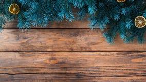 Fondo de la Navidad con las decoraciones Foto de archivo libre de regalías