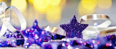 Fondo de la Navidad con las estrellas azules Imagen de archivo