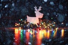 Fondo de la Navidad con las luces de la guirnalda Imagen de archivo