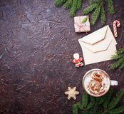 Fondo de la Navidad con latte y letras Imagen de archivo