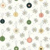 Fondo de la Navidad con los copos de nieve y las bolas Fotos de archivo libres de regalías