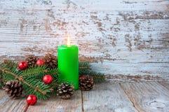 Fondo de la Navidad con los juguetes del Año Nuevo y el árbol de navidad fresco Fotografía de archivo